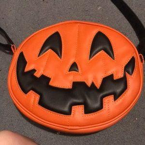 Love pain and stitches pumpkin kult bag